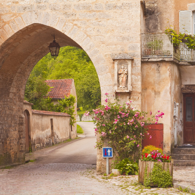 """One of the old gates to the village of Noyers sur Serein in Yonne, Burgundy,..."" stock image"