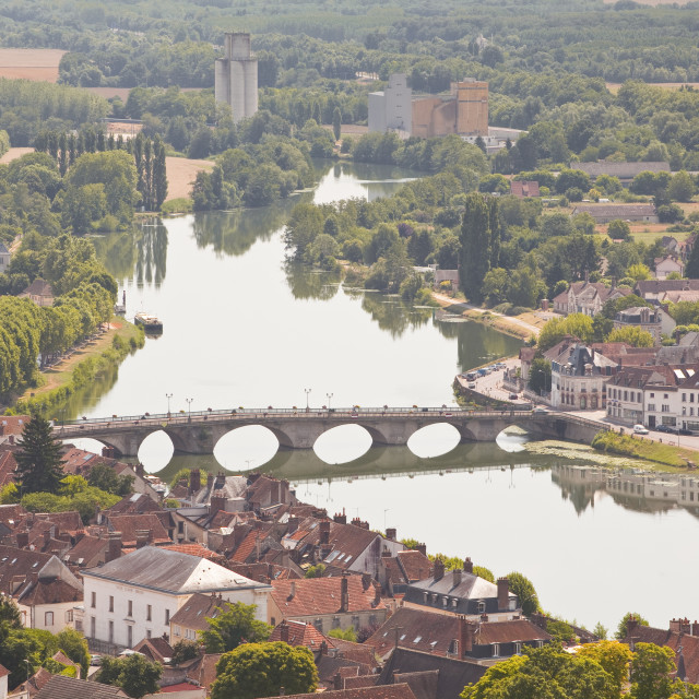 """""""The River Yonne flowing through the town of Joigny, Yonne, Burgundy, France,..."""" stock image"""
