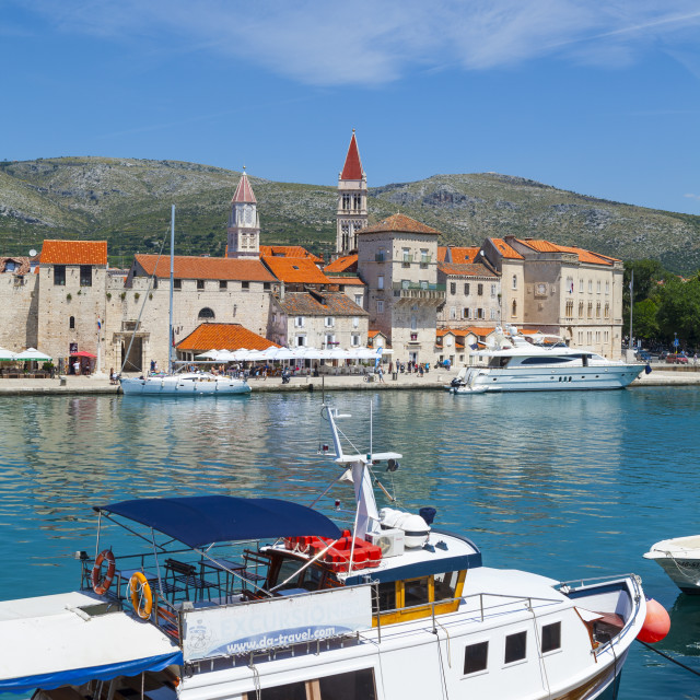 """Trogir's historic Stari Grad (Old Town) defensive walls and harbour, Trogir,..."" stock image"