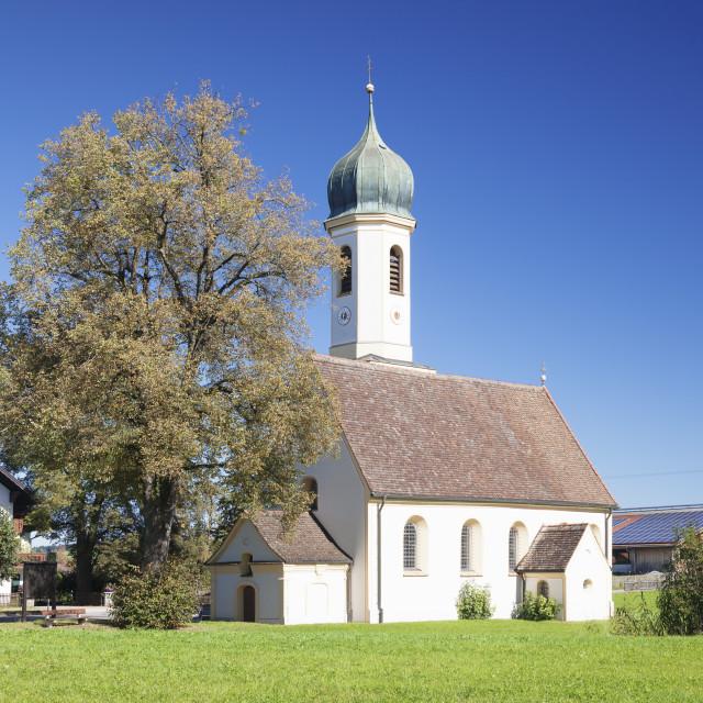 """St. Leonhard Church, Froschhausen near Murnau am Staffelsee, Upper Bavaria,..."" stock image"