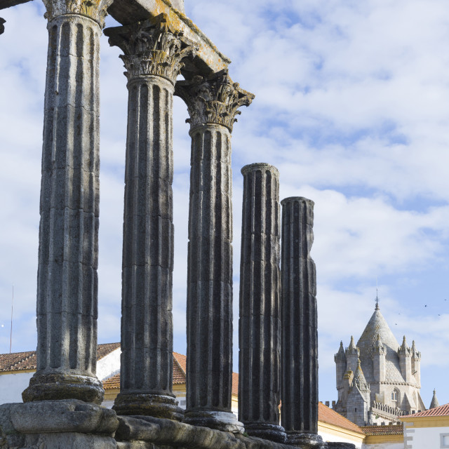 """The Roman Temple of Diana and the tower of Evora Cathedral, historic centre,..."" stock image"
