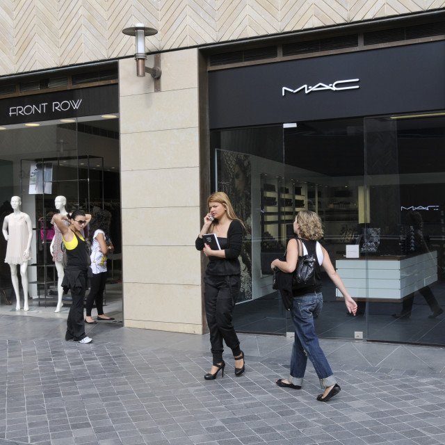 """""""LEBANON. FASHIONALBE SHOPS AFTER RECONSTRUCTION OF DOWNTOWN BEIRUT BY..."""" stock image"""