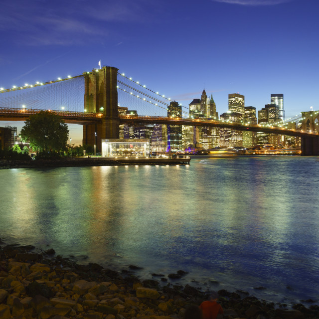 """Brooklyn Bridge and Manhattan skyline at dusk from Brooklyn Bridge Park, New..."" stock image"