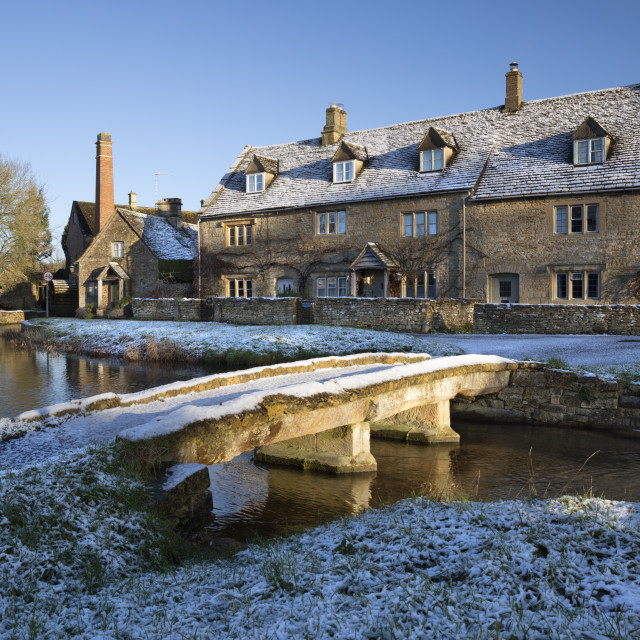 """""""Stone bridge and Cotswold cottages in snow, Lower Slaughter, Cotswolds,..."""" stock image"""