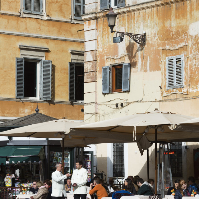 """Outdoor cafe, Piazza Santa Maria in Trastevere, Rome, Lazio, Italy, Europe"" stock image"