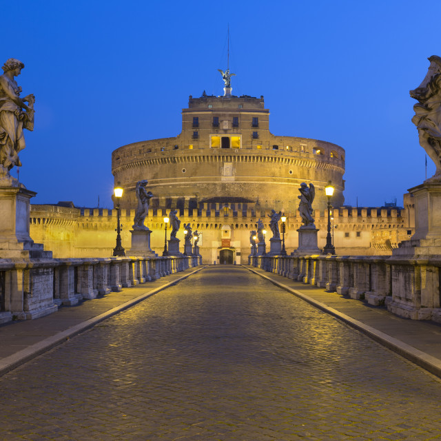 """""""Ponte Sant'Angelo with 16th century statues and the Castel Sant'Angelo at..."""" stock image"""