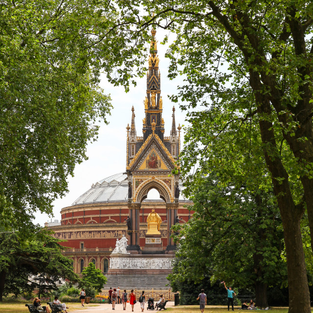 """The Albert Memorial to the north of the Royal Albert Hall, Kensi"" stock image"