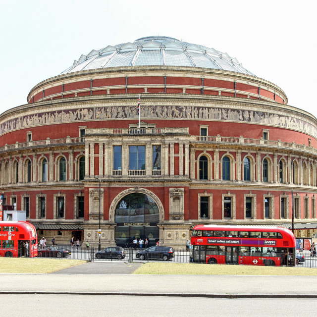 """The Royal Albert Hall is a concert hall on the northern edge of"" stock image"