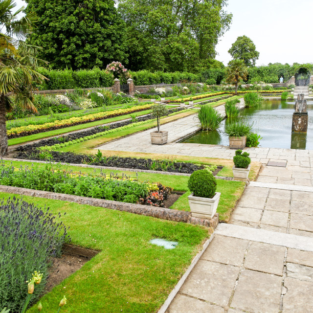 """The sunken garden at Kensington Palace Gardens Royal Park London"" stock image"