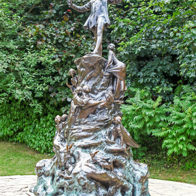 """The Peter Pan bronze sculpture by sculptor Sir George Frampton i"" stock image"