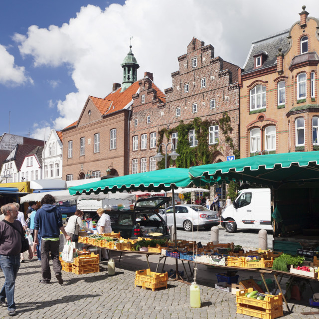 """""""Weekly market at the market place of, Husum, Schleswig Holstein, Germany"""" stock image"""