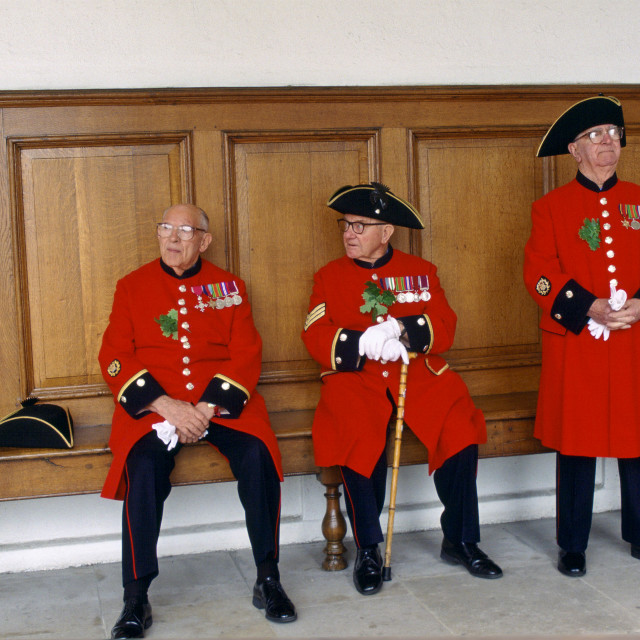 """""""Chelsea Pensioners, dressed in their traditional uniform and red jacket and..."""" stock image"""