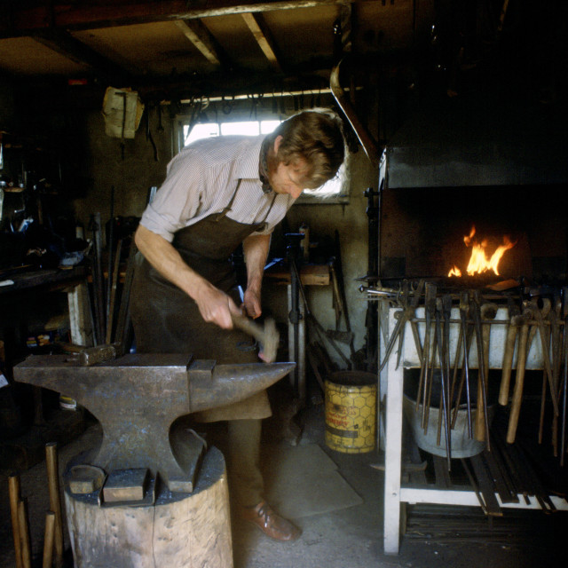 """Blacksmith Hector Cole working on new gates for Highgrove the country..."" stock image"