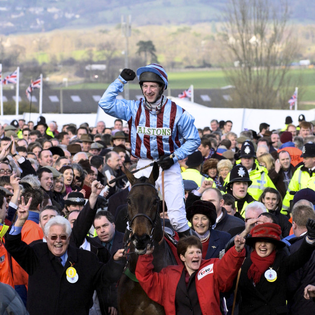 """""""Gold Cup winning jockey Jim Culloty riding race horse """"Best Mate"""" makes his..."""" stock image"""