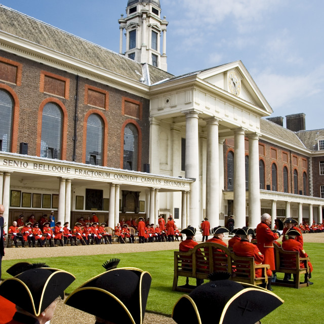 """Chelsea Pensioners at Royal Hospital, on Founder's Day Parade, London, UK"" stock image"