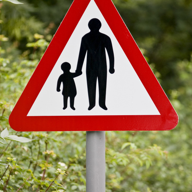 """""""Pedestrians In Road Ahead warning sign by the road in Oxfordshire, United..."""" stock image"""