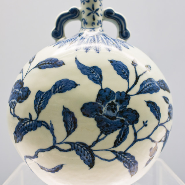 """Porcelain vase of Jingdezhen origin on display in the Shanghai Museum, China"" stock image"