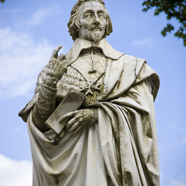 """Stone statue monument of Cardinal Richelieu, former Prime Minister, in the..."" stock image"