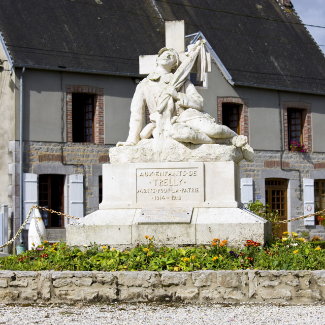 """War Memorial to commemorate the local dead of World War I in the French town..."" stock image"