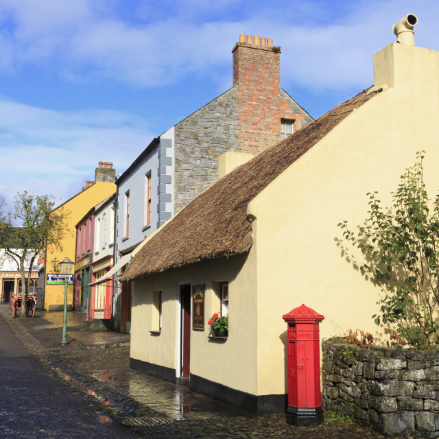 """Bunratty Castle and Folk Park, County Clare, Munster, Republic of Ireland,..."" stock image"