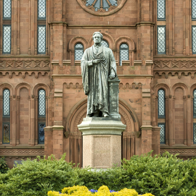 """""""Entrance to the Smithsonian Castle with statue of Joseph Henry outside on the..."""" stock image"""
