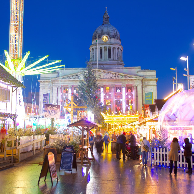 """""""Council House and Christmas Market stalls in the Market Square, Nottingham,..."""" stock image"""