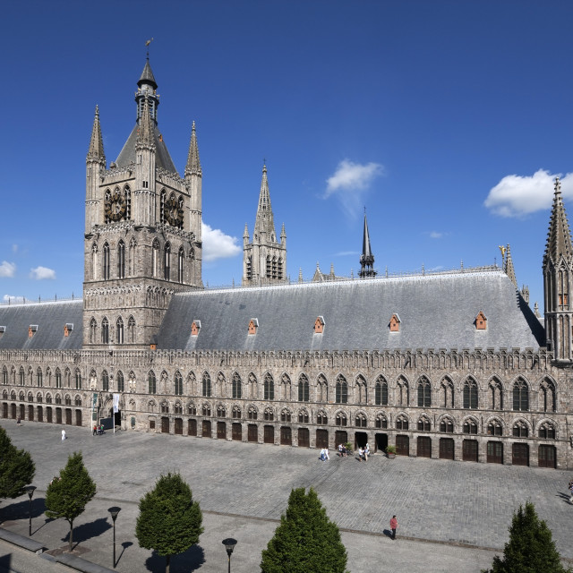 """The Cloth Halls, Grote Markt Albert 1, Ypres, West Vlaanderen, Belgium, Europe"" stock image"