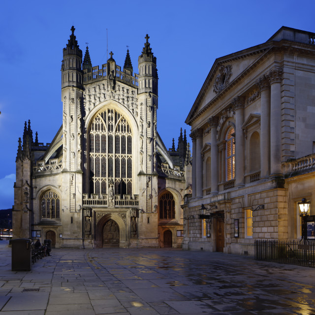 """Exterior of the Roman Baths and Bath Abbey at night, Bath, Somerset, England,..."" stock image"