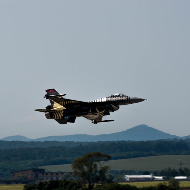 """F-16 flight"" stock image"