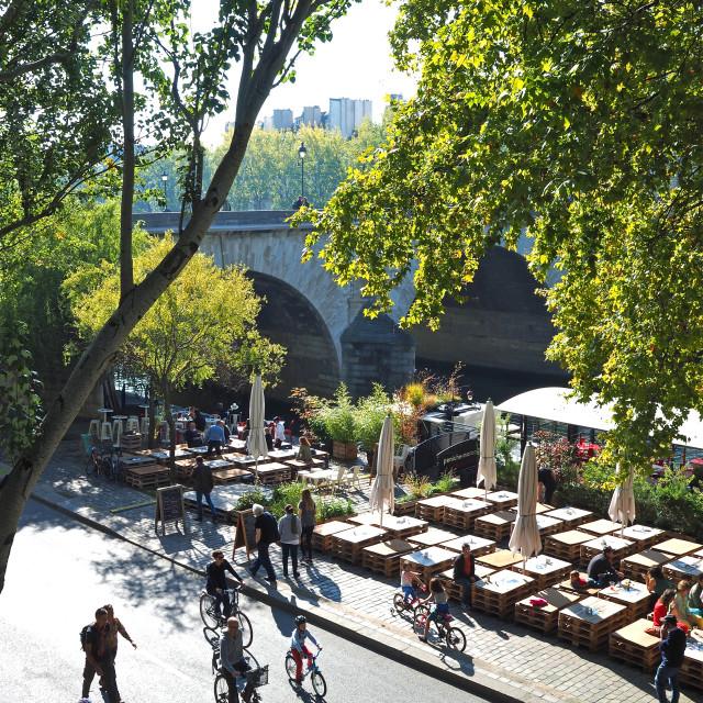 """""""Dimanche à Paris"""" stock image"""