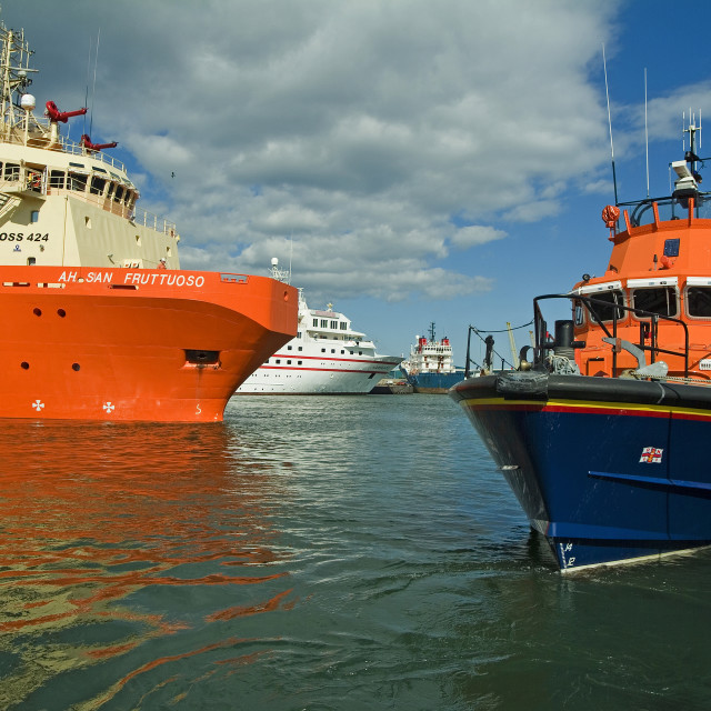 """Aberdeen Busy Harbour"" stock image"