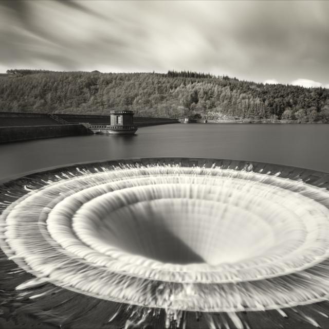 """Overspill at Ladybower reservoir"" stock image"