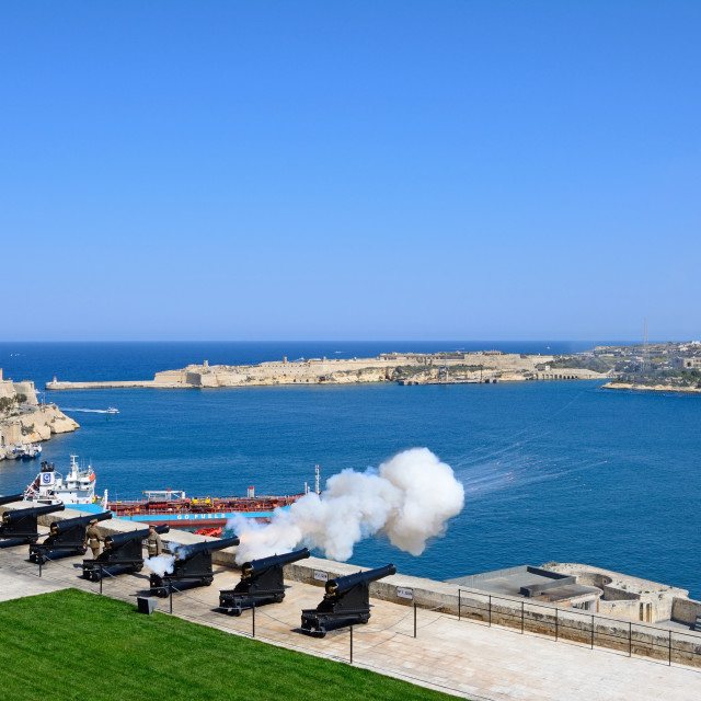 """Firing of the Noon Gun in the Saluting Battery, Valletta, Malta"" stock image"