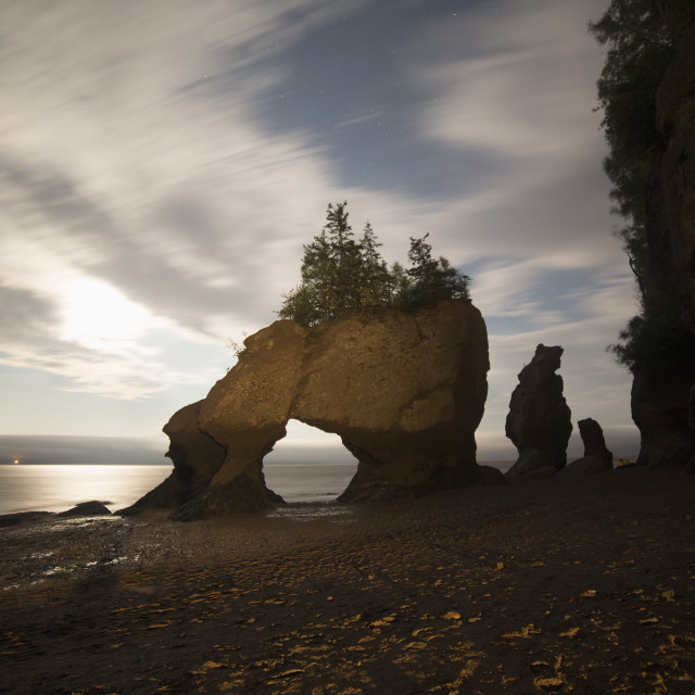 """Hopewell Rocks, the flowerpot rocks, on the Bay of Fundy, scene of the..."" stock image"