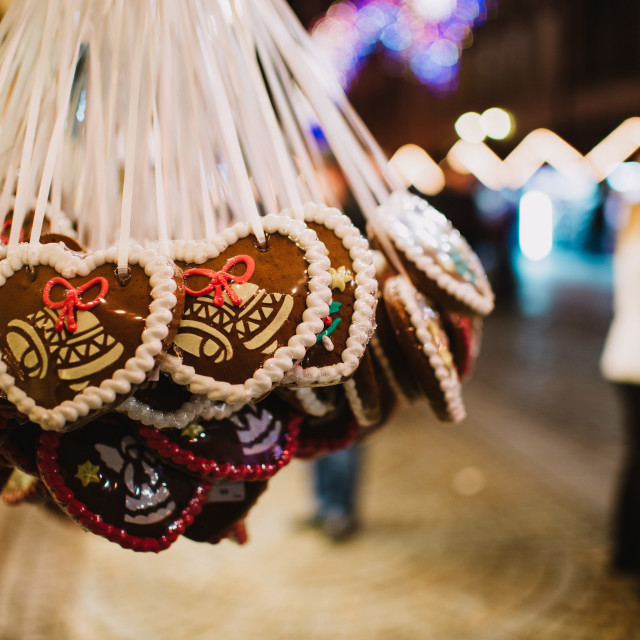 """""""close up on heart gingerbread hearts on Christmas market"""" stock image"""