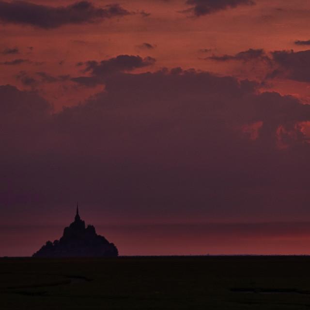 """""""Mont-Saint-Michel silhouette"""" stock image"""