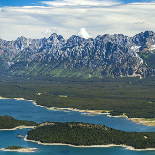 """""""Panorama on top of mountain ridge looking down on colourful alpine lake and..."""" stock image"""