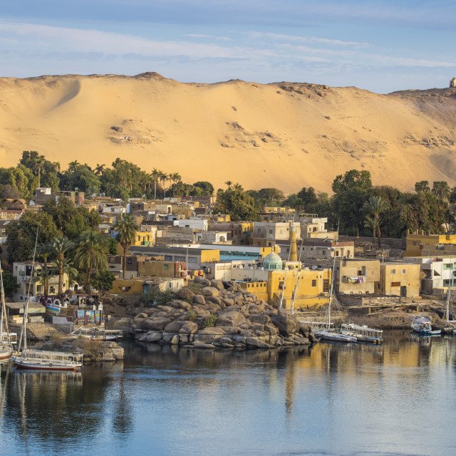 """""""Egypt, Upper Egypt, Aswan, View of The River Nile and Nubian village on..."""" stock image"""