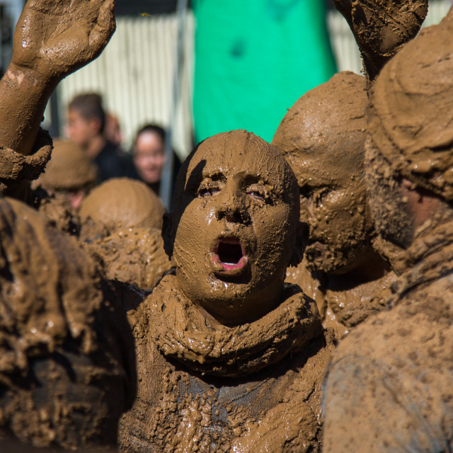 """Iranian Shiite Muslim Man Covered In Mud, Chanting And Self-flagellating..."" stock image"