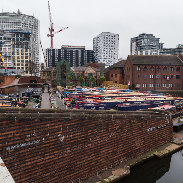 """New buildings being erected around the old canal in Birmingham"" stock image"