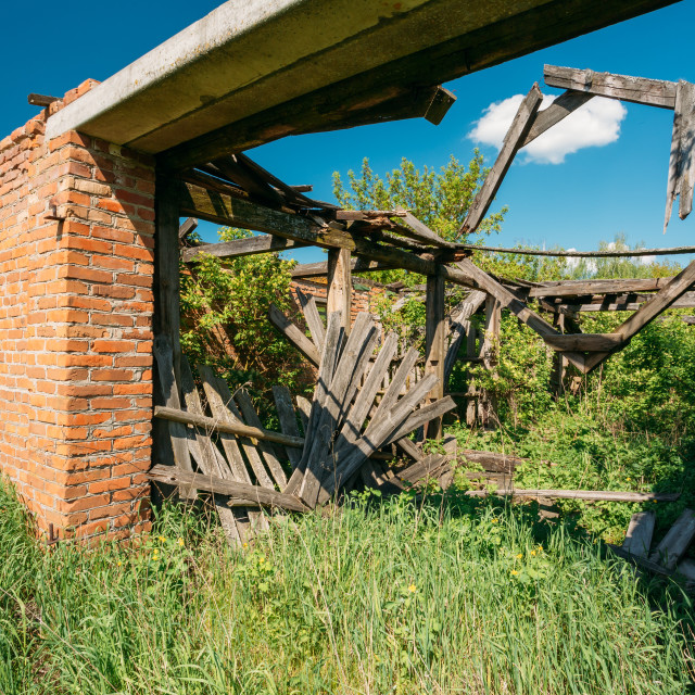 """Close Ruined House In Evacuated Rural Zone After Chernobyl Tragedy. Result Of..."" stock image"