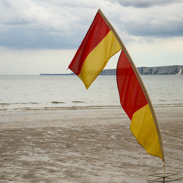 """""""Lifeguard's safety flag on the beach at filey"""" stock image"""