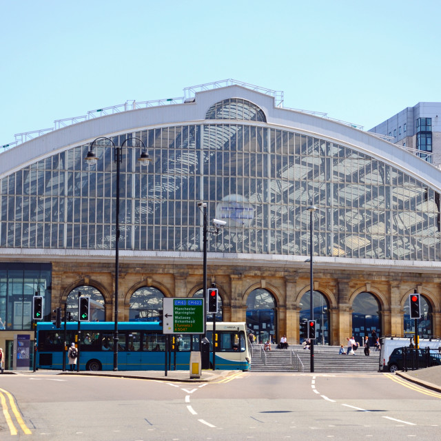 """""""Front view of Liverpool Lime Street Railway Station"""" stock image"""