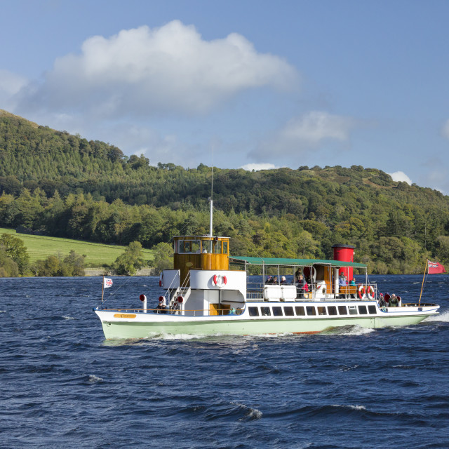"""The Raven steam boat on Ullswater Cumbria"" stock image"
