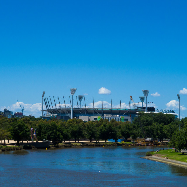 """The Yarra river with the Melbourne Cricket Ground (MCG) in the d"" stock image"