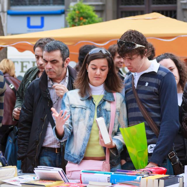 """People at street bookstall on La Rambla Nova in Tarragona, Catal"" stock image"