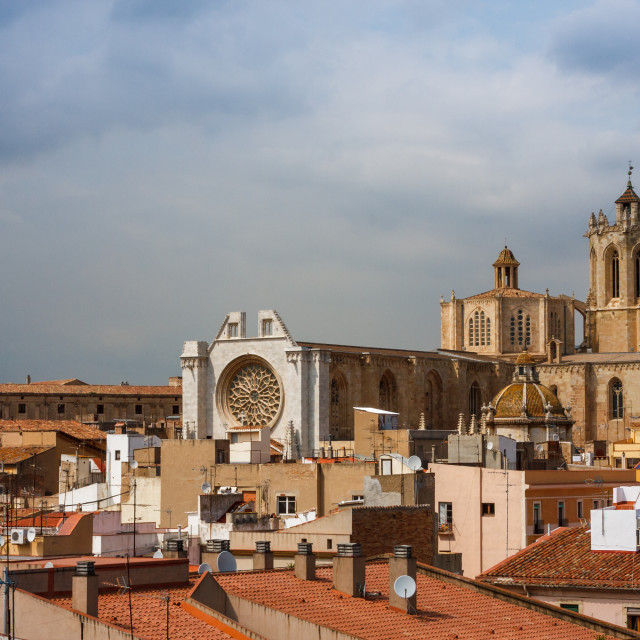 """Tarragona Cathedral rising above the rooftops of the old town of"" stock image"