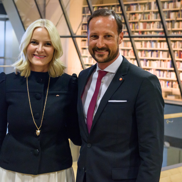 """""""Crown Prince Haakon , Crown Princess Mette-Marit of the Kingdom of Norway at press conference in National Library of Latvia."""" stock image"""