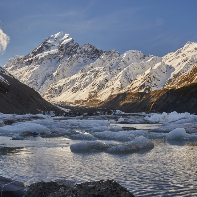 """Hooker Glacier Lake in the shadow of Mount Cook (Aoraki), Hooker Valley..."" stock image"