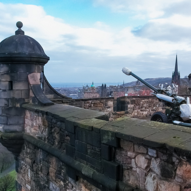 """The One o'clock Gun, Edinburgh Castle"" stock image"